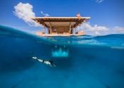 Underwater-Floating-Hotel-Room-at-Manta-Resort-1