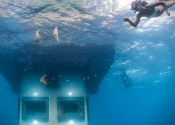 Underwater-Floating-Hotel-Room-at-Manta-Resort-3