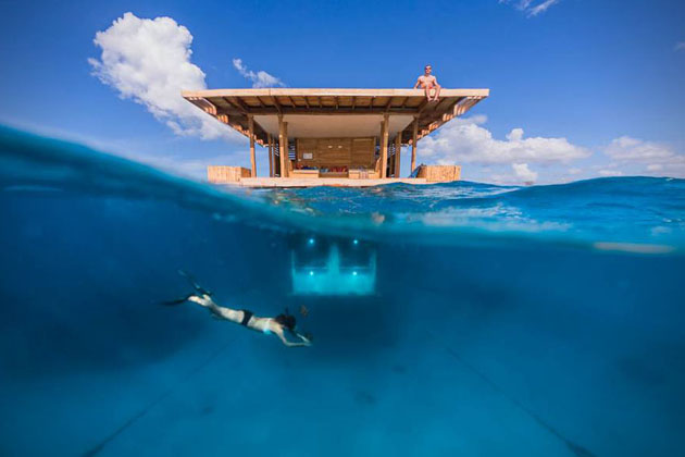 Underwater-Floating-Hotel-Room-at-Manta-Resort-1